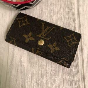 Louis Vuitton 4 Key Holder in Monogram